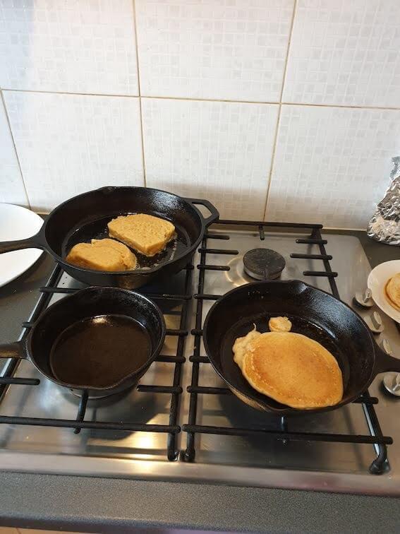 Camping in the garden - cast iron skillet, breakfast